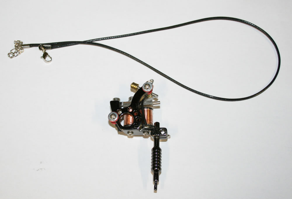 Necklace With Machine Black